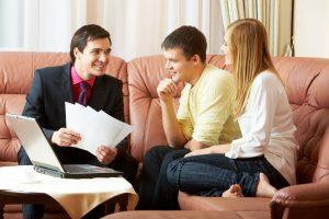Podpisovanie pôžičkových zmlúv